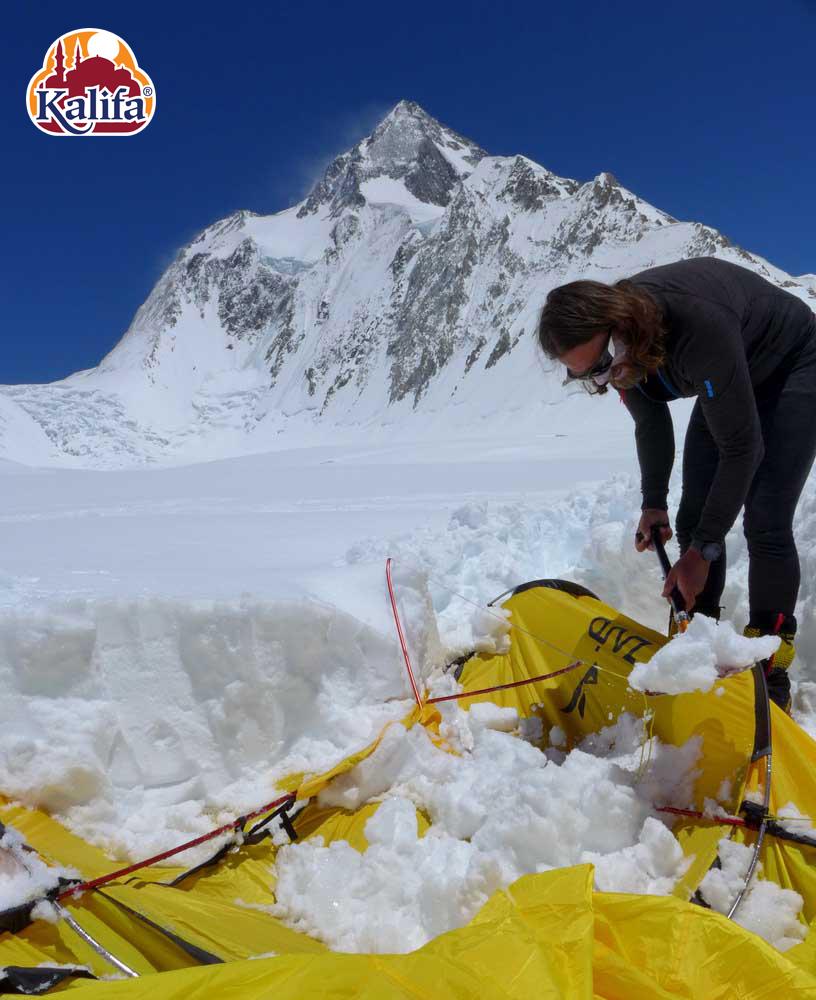 Dávid és Szilárd megtalálta az összetört C1-es sátrat - jöhet a javítás...